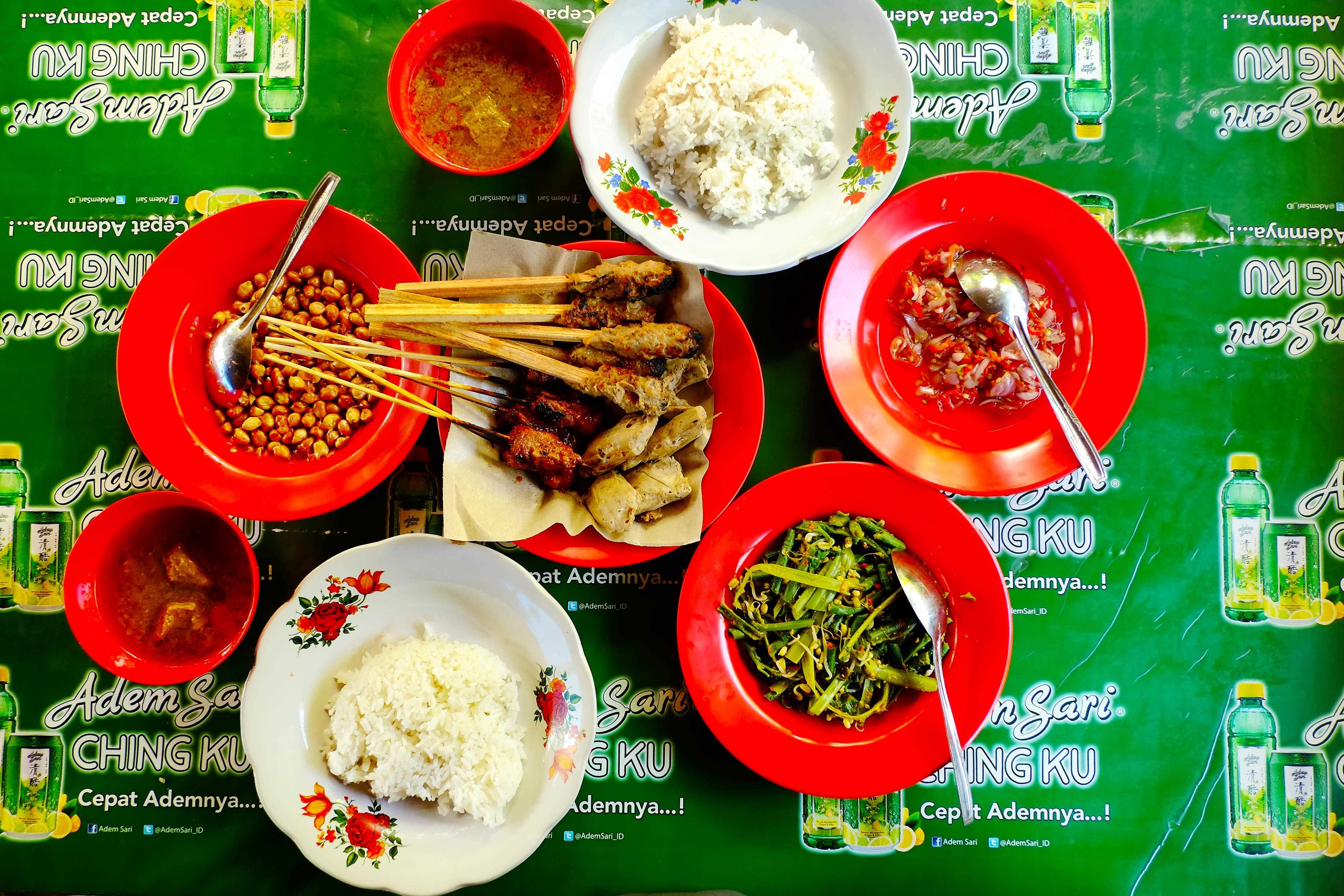 Best Local Food in Bali : Warung Lesehan Mertha Sari…